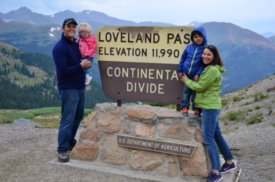 Keystone, Κολοράντο: Yearly hike to Loveland Pass. Great way to record your family tree.