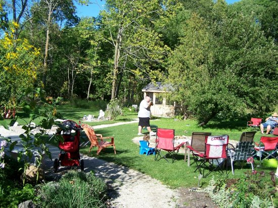 Owen Sound, Canada: Huge property with Screened Gazebos, fire pit and lots of room for family get togethers