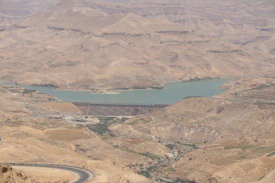 Karak, Jordania: Life giving reservoir.