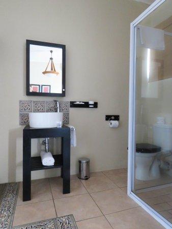 Amanzimtoti, Sør-Afrika: One of the en-suite bathrooms
