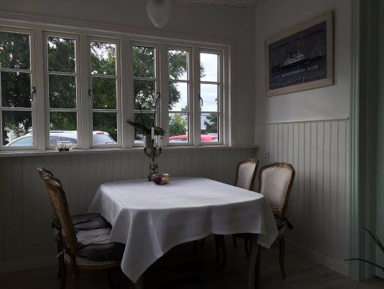 Snekkersten, Dänemark: Breakfast room.