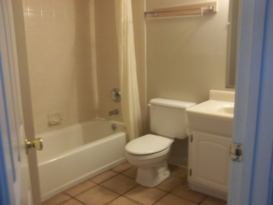 Tidelands Caribbean Hotel and Suites: Bathroom is bigger than it looks, and had plenty of space for toiletries.