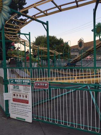 Tipton, Pensilvania: Wacky Worm rollercoaster without a wait