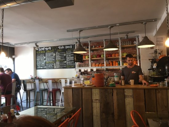 scoff troff cafe clean rustic decor good service and food