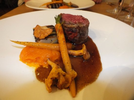 Oliver's: Beef - pancetta - blood pudding terrine - chanterelle - carrot - red wine