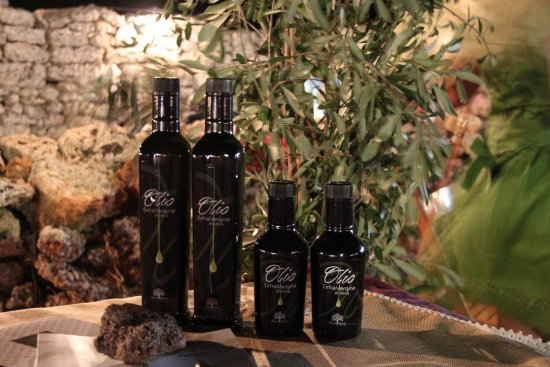 Extra virgin olive oil of Salento - Azienda Agricola Boccarello
