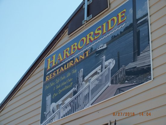 Ewell, MD: This restaurant is visible from the water