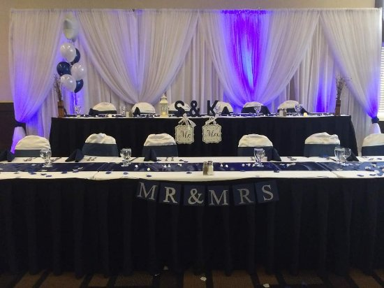 Cau Nova Peace River Two Tier Head Table Worked Well For A Wedding Party