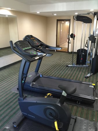 Quality Inn Near Pimlico Racetrack: FITNESS ROOM