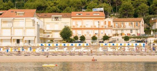 Hotel meubl la spiaggiola numana italien omd men och for Hotel meuble la spiaggiola numana