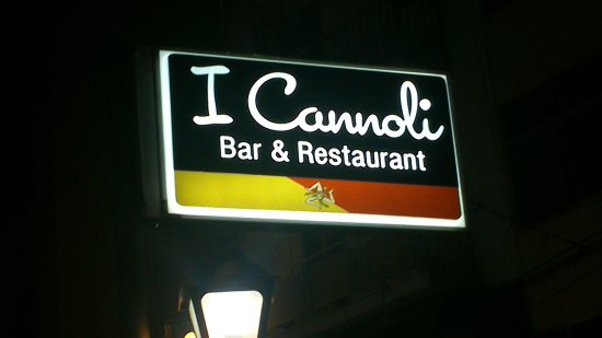 I Cannoli Trattoria Siciliana: Look for this sign :-)