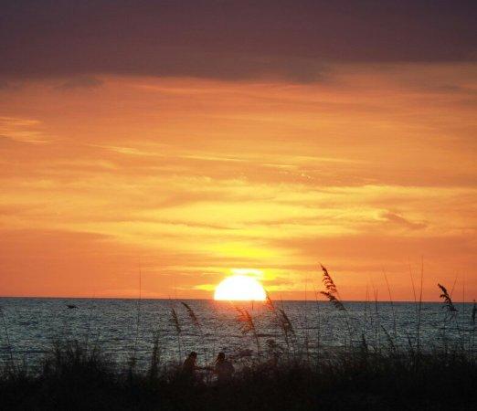 Sunset Vistas Beachfront Suites: OI000061-picsay_large.jpg