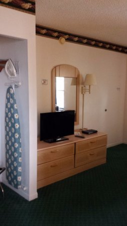 Travelodge Suites St Augustine: Very small TV for size of room.