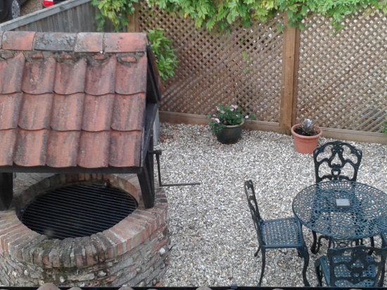 Weasenham All Saints, UK: Courtyard area for guests' use