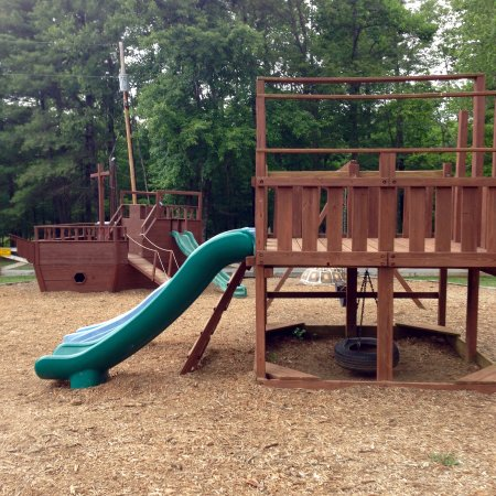 Monroe, VA: Kids playground