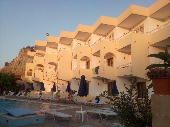 Evi Hotel Rhodes: так выглядит дальний русский корпус