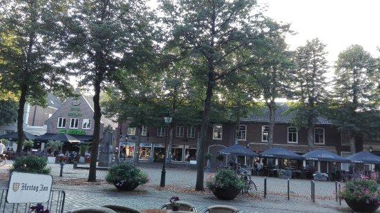 Dinee-Cafe Veertien: uitzicht op het terras