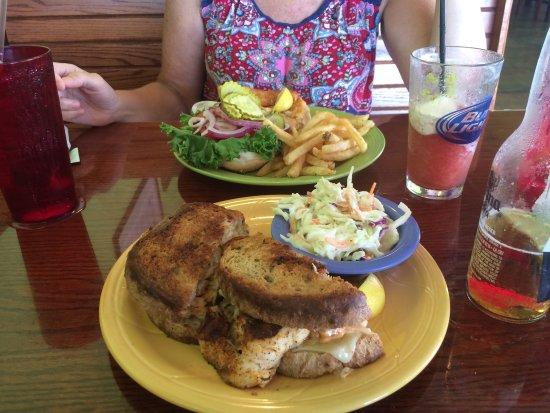 Hudson, FL: Lunch style