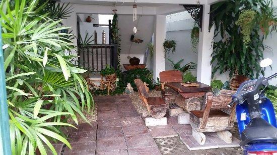 Top Garden Boutique Guesthouse: 20160909_082901_large.jpg