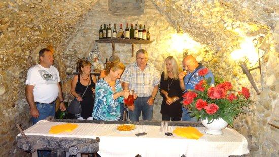 """San Quirico in Collina, Italien: Die Gäste der Motorradhotel """"Il Molino del Ponte"""" sind sehr zufrieden."""