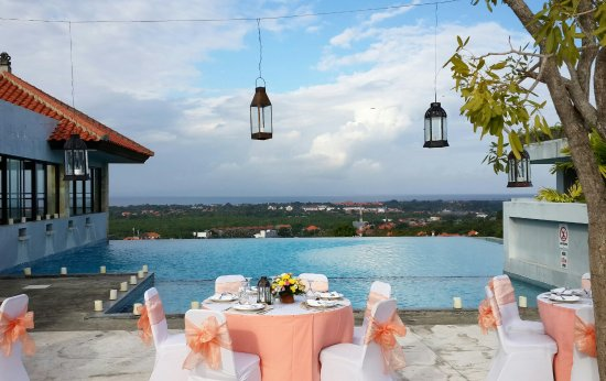 Park Hotel Nusa Dua : I'm just looking out at the pool. And i saw this. Such a great view for your event!! I like it..