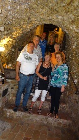 San Quirico in Collina, Italien: Weinkeller