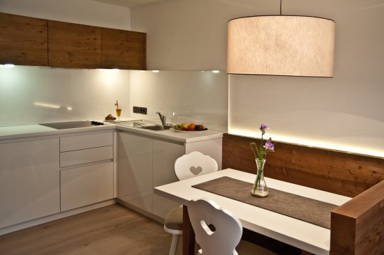 Ariston Dolomiti Residence: Wohnraum - Essbereich