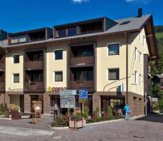Ariston Dolomiti Residence: Conad