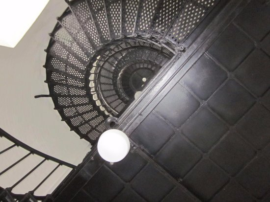 Yaquina Bay Lighthouse: Stair inside of lighhouse