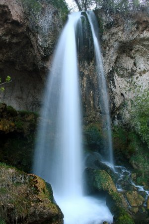 Rifle Falls: One of the three main columns of water.