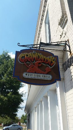 Cookeville, TN: Great lunch on the patio! Loved the gumbo!
