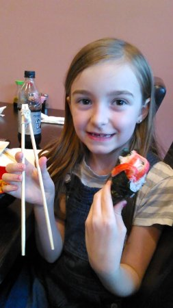Moraine, OH: Kid friendly chopstick and sushi