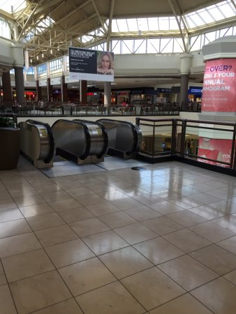 Get AMC Penn Square Mall 10 showtimes and tickets, theater information, amenities, driving directions and more at dnxvvyut.ml