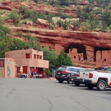 Manitou Cliff Dwellings : Entrance to historical site