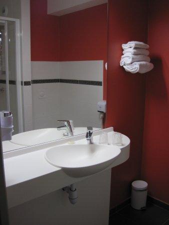 Saint-Contest, Francia: Salle de douche
