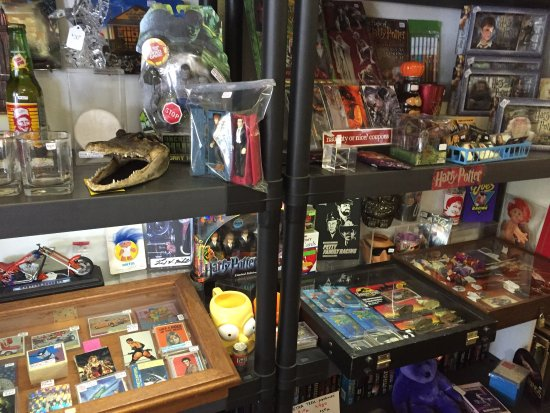 DeLand, FL: Bargain prices for late 1960's to late 90's collectibles related pop culture