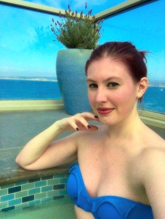 Vista Blue Spa: Rooftop hot tub