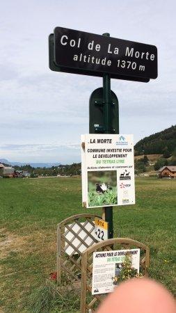 Alpe du Grand-Serre, Francja: naast het col bordje