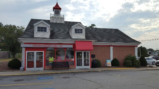 Seekonk, MA: Friendly's