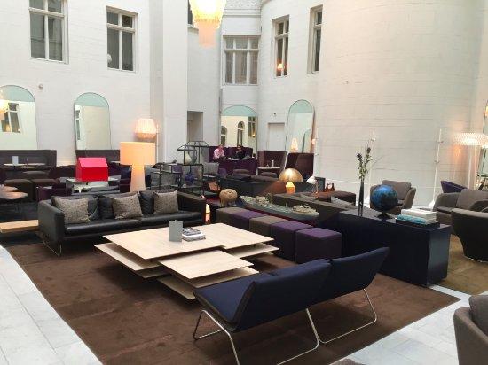 Nobis Hotel: lounge area