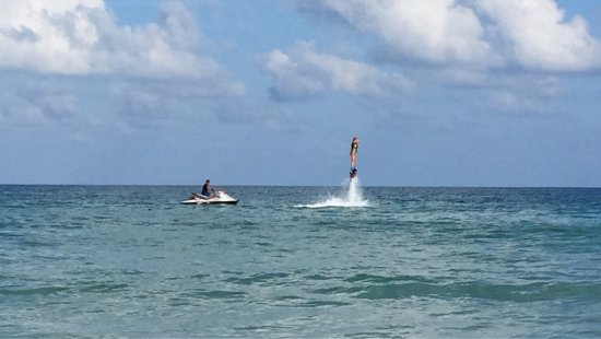 Flyboard Koh Samui Chaweng Beach: Very recommended, it was great!!!
