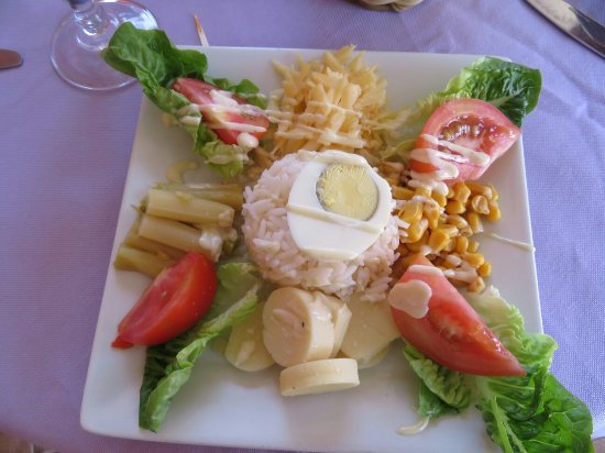 Restaurant 3Thes: Salad for lunch, good portion size