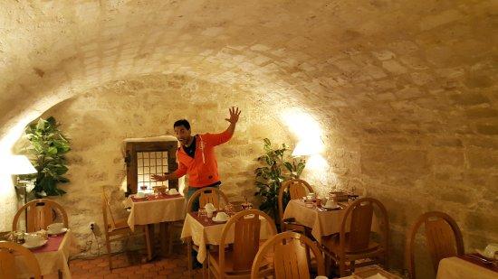 France Louvre: esta el subterraneo... es genial!!!!