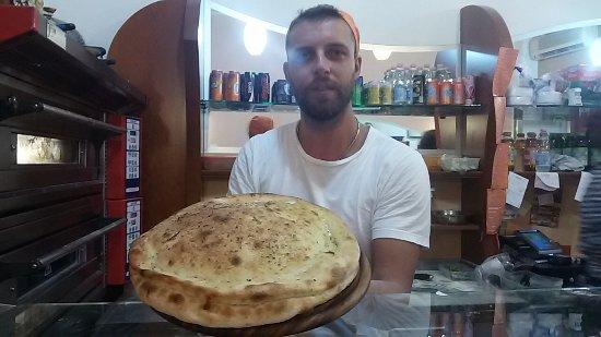 Pizzamania: La focaccia farcita Ufo è una favola!!