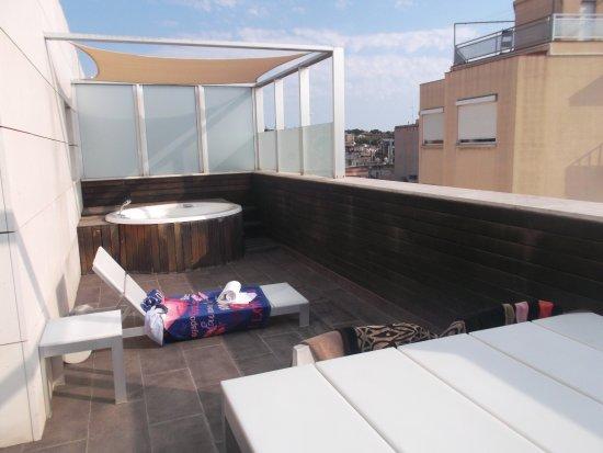 Préférence Terrasse de la suite avec jacuzzi - Picture of Pestana Arena  AN07