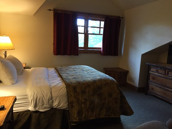 The Whiteface Lodge: 2nd bedroom upstairs