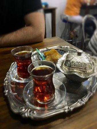 Mashti: Buonissimo tè persiano!