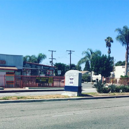 Hotels Near Compton Ca