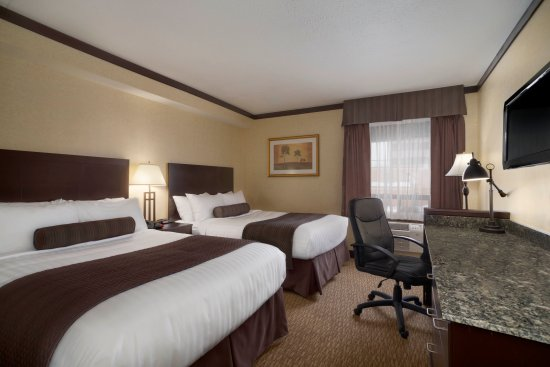 Days Inn & Suites Sault Ste. Marie, ON