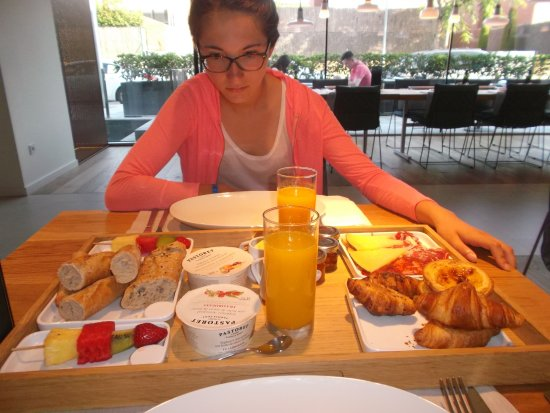 Picture of hotel sorli emocions vilassar de - Plateau petit dejeuner ikea ...